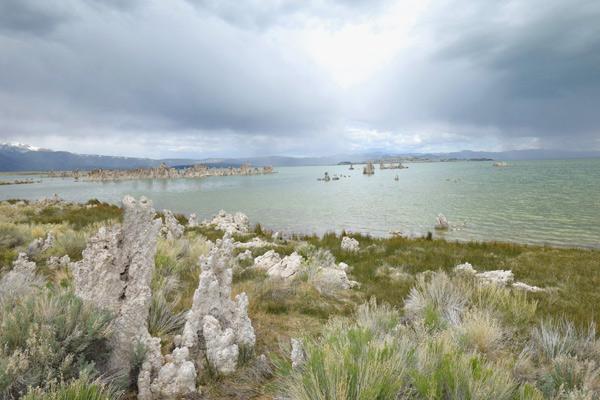 13:15~13:50 観光 モノ湖(サウストゥファ)