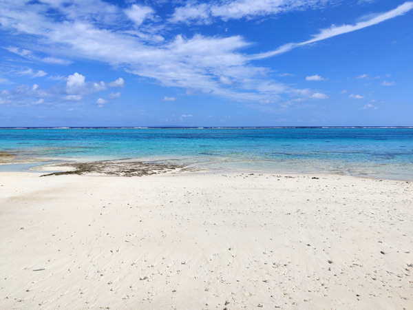 与論島 トゥマイビーチの見どころ! 映画「めがね」のロケ地