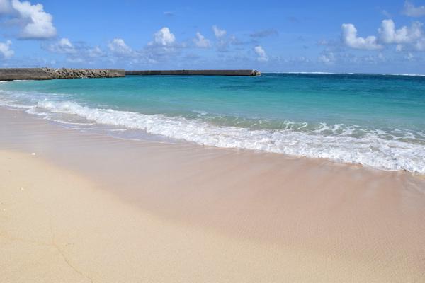 与論島 誰もいない日陰があるビーチ【赤崎海岸近くのプライベートビーチ】