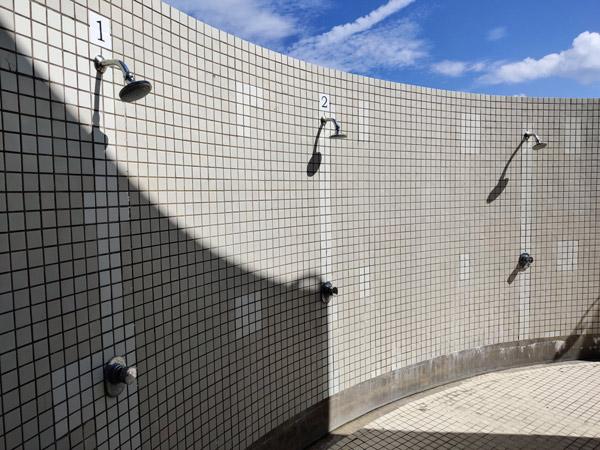 百合ヶ浜のシャワー