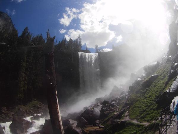 バーナル滝フットブリッジ~バーナル滝頂上