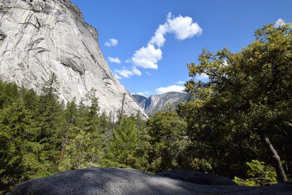 ハイキング中に観る景色