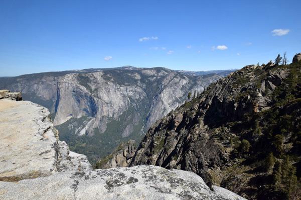 ヨセミテ国立公園 タフトポイント(Taft Point)の見どころ