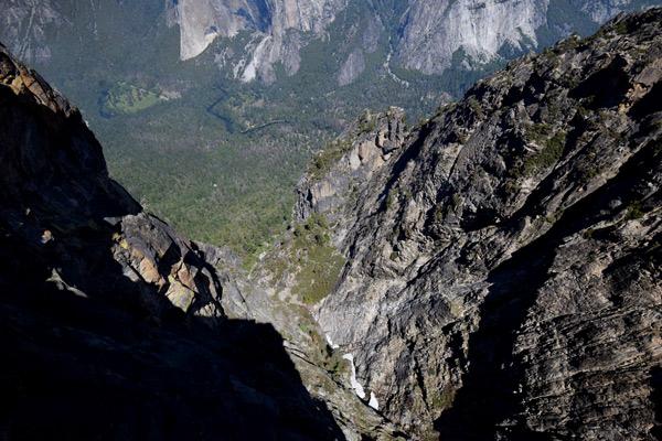 タフトポイント(やっぱり足がすくむほどの崖)