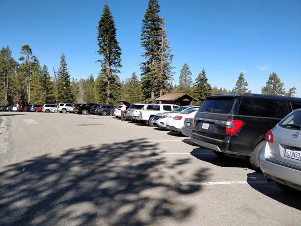 センチネルドームの駐車場