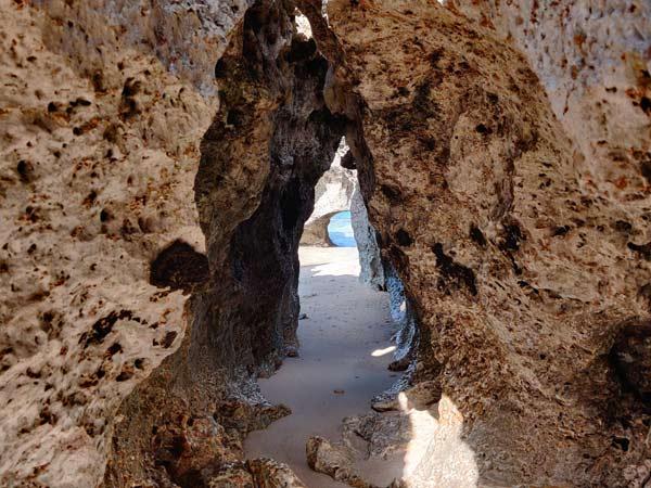品覇海岸:右側